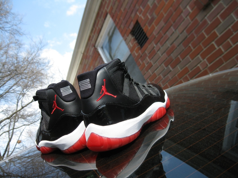 Air Jordan 11 Retro (Bred)