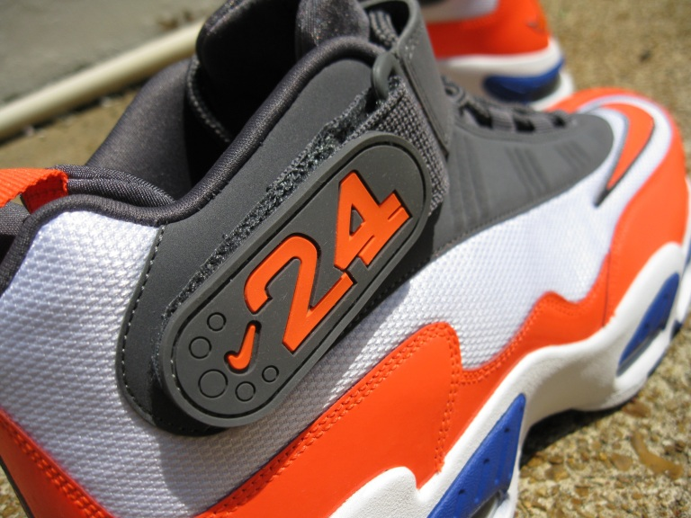 Nike Air Griffey Max 1 (Total Crimson – Hyper Blue)