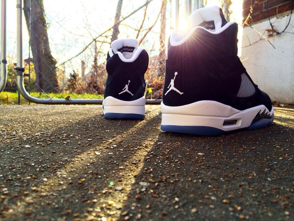 jordan shoes retro 5 oreo. shoe: air jordan 5 (retro) \u201coreo\u201d release: 11/29/2013 (available now) msrp: $170.00. product code: 136027-035. colorway: black/cool grey-white shoes retro oreo